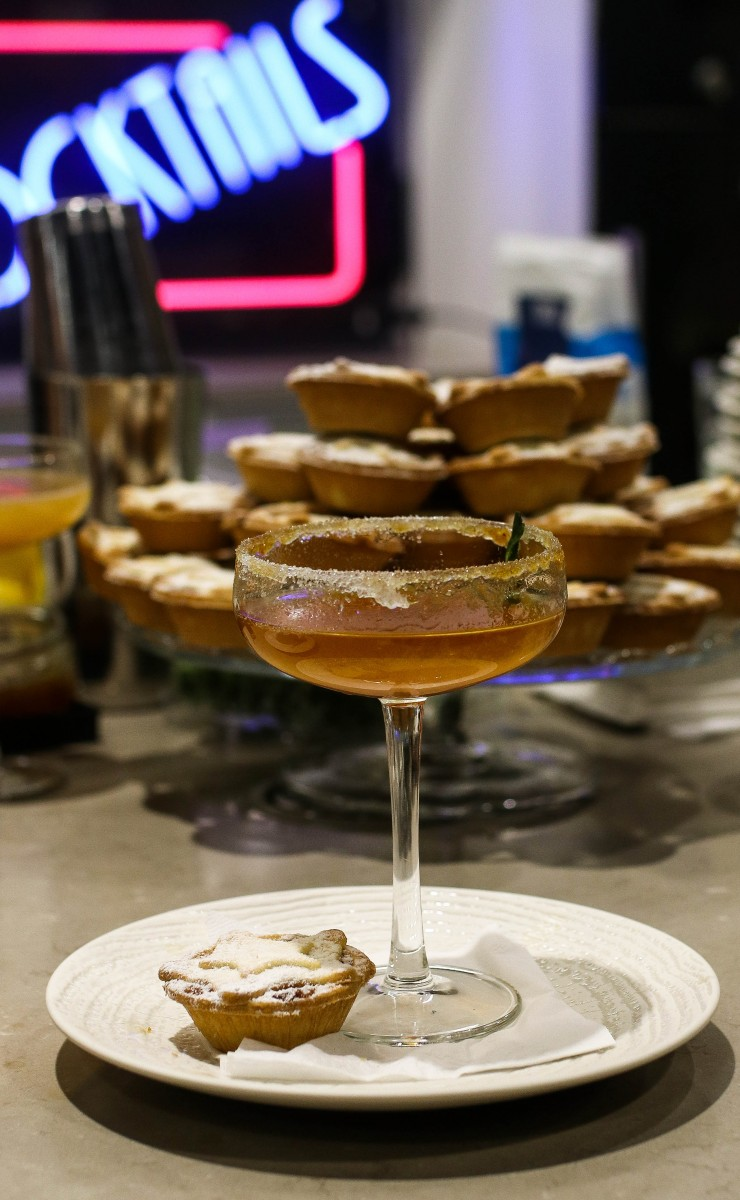 Iceland Foods Mince Pie Martini